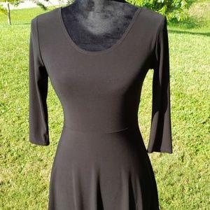 Vibe black dress